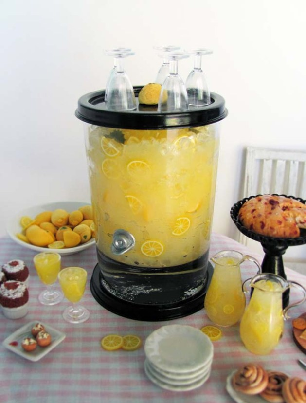 OSS Lemonade Dispenser in 1:6 Scale for your Summer Buffet Tables!
