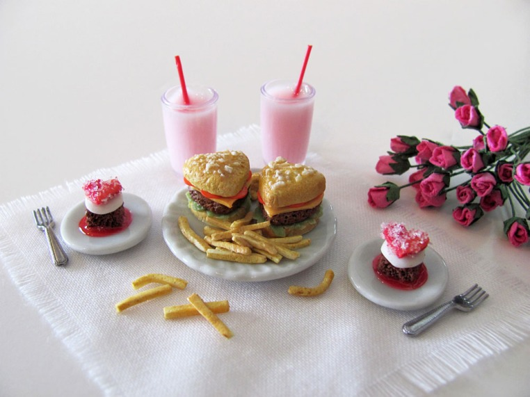 Valentine Burger Set by OSS